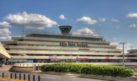 Flughafen Koeln/Bonn - Foto: Raimond Spekking - Lizenz: GNU-FDL / Zum Vergrößern auf das Bild klicken