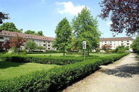 Grüner Hof - Foto: Rolf Heinrich - GNU-FDL / Zum Vergrößern auf das Bild klicken