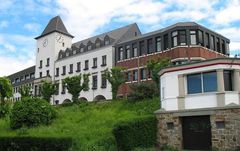 Porzer Rathaus - Foto: WP-User: Journey234 - Public Domain / Zum Vergrößern auf das Bild klicken